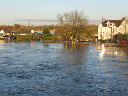 chertsey-flooding-m61
